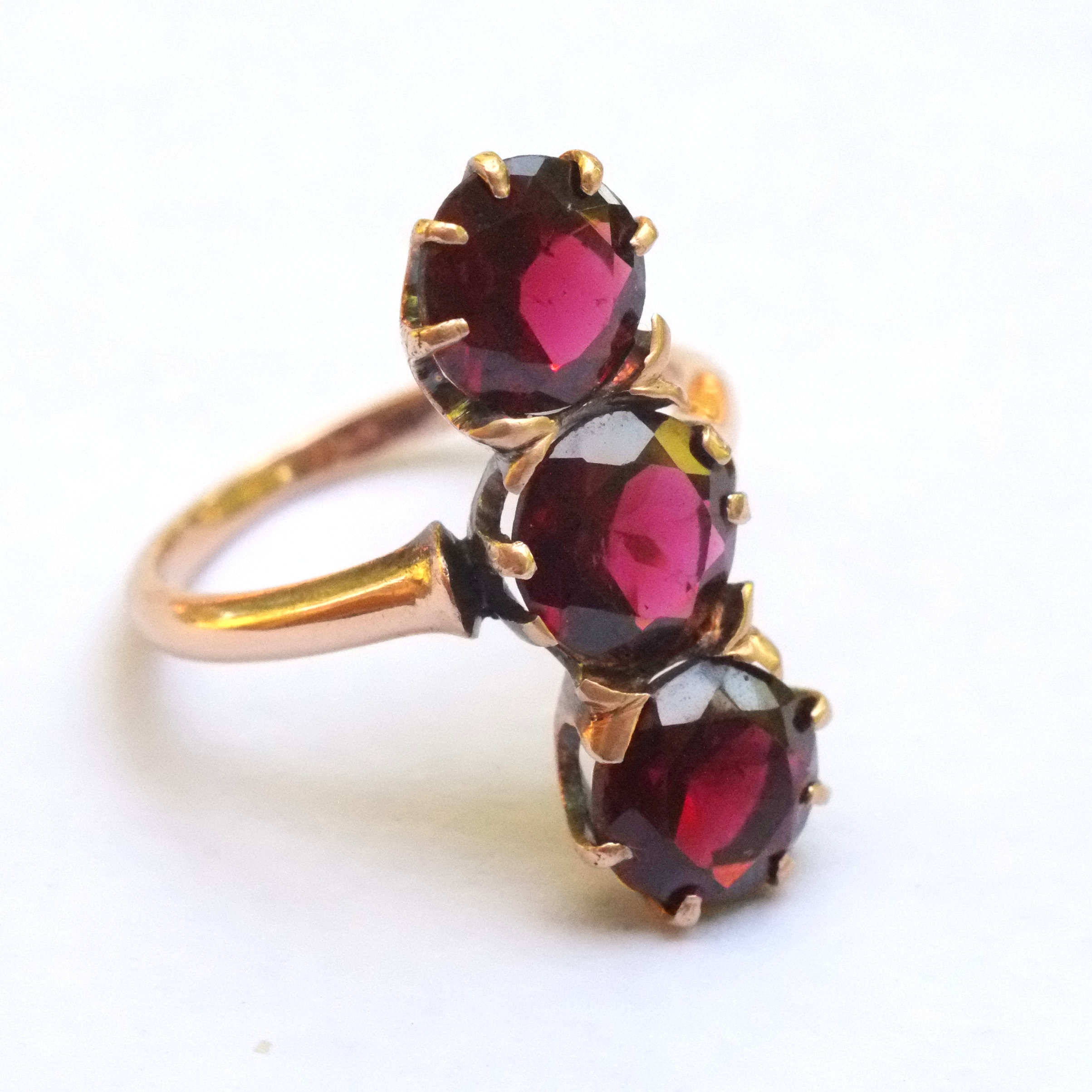 victorian garnet three stone ring